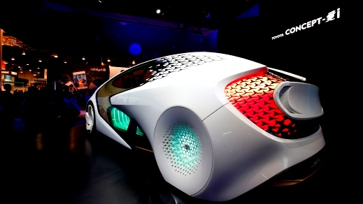 Toyota Concept-i.. ذاتية القيادة ولا تقاوم
