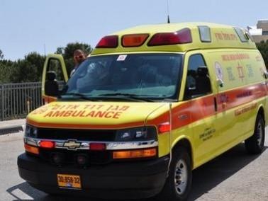 إصابة شاب في اصطدام سيارة بعامود عند مفرق عيلبون