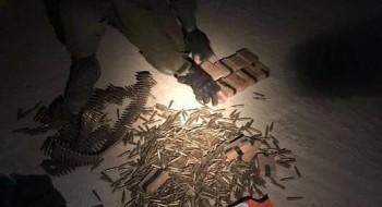 الجيش: اعتقال 13 مطلوبا من الضفة وضبط وسائل قتالية في يطا