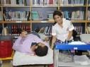 طلاب الأهلية أم الفحم يتبرعون بالدم
