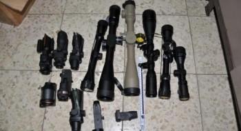الشرطة: إتهام فلسطيني من نابلس ببيع أسلحة لعناصر أمنية في السلطة الفلسطينية