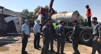 الشرطة: مداهمة محطات تعبئة وقود غير قانونية في تل السبع