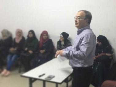 مركز شباب رهط يستمر في توجيه طلاب المدينة