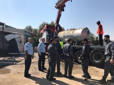 مداهمة محطات تعبئة وقود غير قانونية في تل السبع