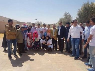 طلاب رهط يتطوعون في يوم الأعمال الخيرية