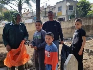 كفرقرع: تنظيف وصيانة مقبرة القرية