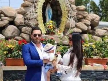 لاميتا تحتفل مع زوجها وابنها بأحد الشعانين