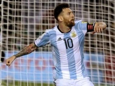 مساع أرجنتينية لإقناع ميسي بالتحرك لتخفيف عقوبته