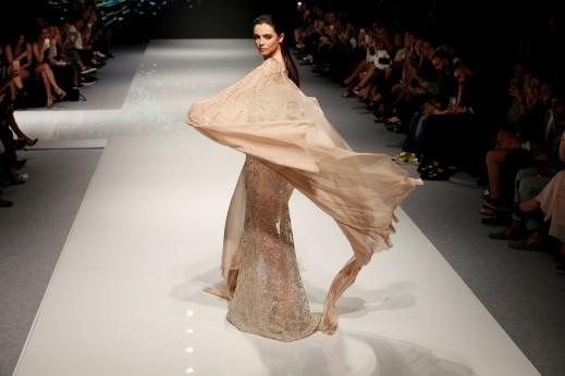 تصميمات اللبناني عبد محفوظ في اسبوع الموضة