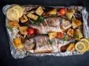 طبق اليوم: السمك بصلصة التوابل والبطاطا
