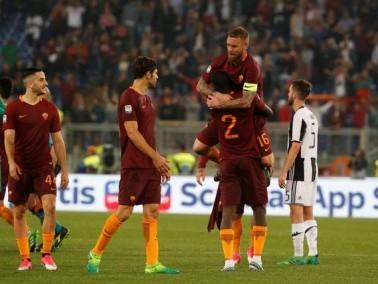 روما يهزم يوفنتوس ويشعل الصراع على لقب الدوري