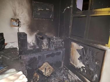 قلنسوة: الاشتباه بقيام مجهولين باضرام النيران بغرفة