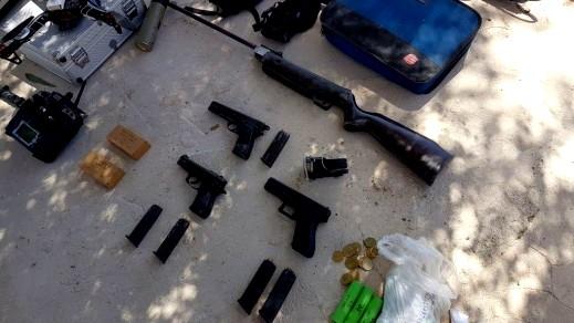 جبع-رام الله: اعتقال أب وابنه بعد ضبط أسلحة