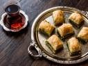 بقلاوة بالفستق الحلبي.. تحلاية عربية شهية