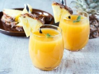 مشروبات صيفية منعشة: عصير الأناناس البارد