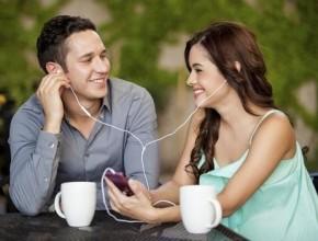 ما هي الأمور التي يفضّلها الرجل بالمرأة؟ القناعة والحنان والأنوثة