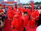 زفاف مشترك لعشرات الأزواج في الصين