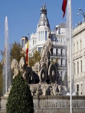 ساحة سيبيليس..أهم رموز مدريد