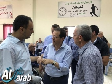 قياديو حزب العمل يعزّون عائلة عثامنة في كفرقرع