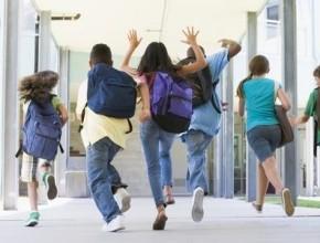 غدا: مليون ونصف طالب يبدأون عطلتهم الصيفيّة من بينهم 375 ألف طالب عربي