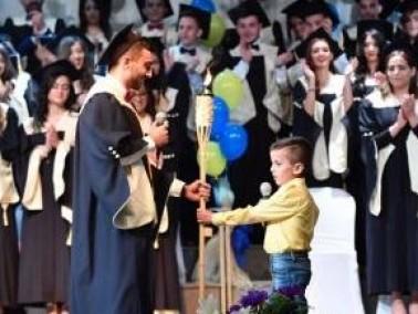 مدرسة المخلص الناصرة تحتفل بتخريج الفوج الـ48