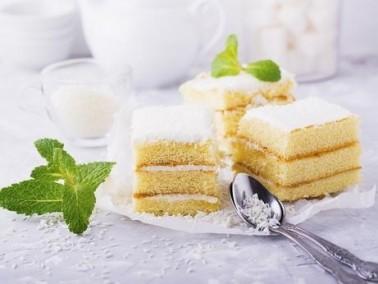 كعكة جوز الهند والأناناس.. سهلة وسريعة