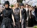 كريستيان ديور تقدّم مجموعة أنثوية جديدة بلمسة باريسية