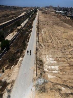 سقوط طائرة استطلاع اسرائيلية في مخيم المغازي