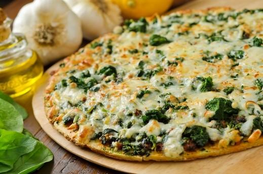 بيتزا السبانخ الشهية من مطبخ العرب.كوم