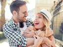 كيف تتصرفين إذا أهنتِ زوجك أمام عائلته؟ اليك أهم النصائح