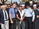 جلعاد اردان وروني الشيخ يشاركان بجنازتي الشرطيين ضحايا عملية الاقصى
