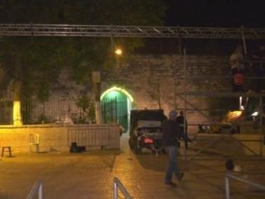 الشرطة تتم ازالة ماكينات الفحص الإلكترونية من القدس