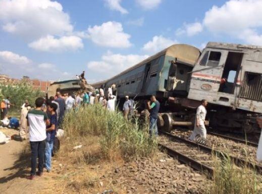 39 قتيلا في حادث تصادم قطارين قرب الإسكندرية