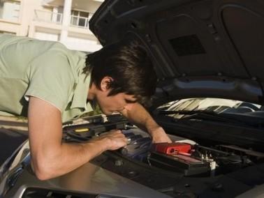 الطريقة الأمثل لتنظيف محرك السيارة