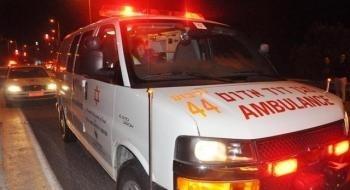 عكا: إصابة شاب وشابة بجراح متوسطة جرّاء اصطدام سيارتهما بشجرة