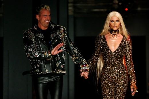 دار The Blonds تفاجئ الجمهور بتصاميم جريئة