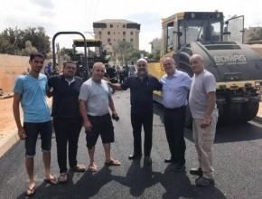 بحضور رئيس بلدية الطيرة: البدء بتعبيد شارعي كفار هيس و24 الشمالي