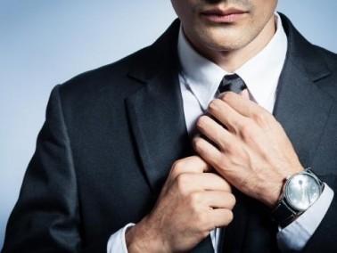 شباب: نصائح الخبراء لاختيار وتنسيق ربطة العنق