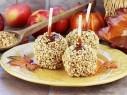 فاجئي أحبابك بتحضير حلوى التفاح بالكراميل المميزة