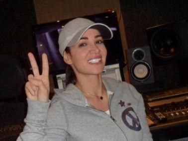 ديانا حداد تستعد لإطلاق أغنيتها الجديدة إلى هنا