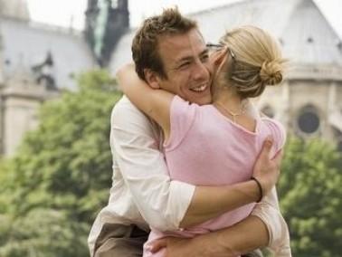 أبرز 6 صفات لـ برج الأسد عندما يدخل الحب حياته