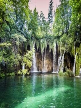 بحيرات بليتفيتش.. جمال كرواتيا
