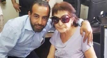 محمد فرحات يعثر على محفظة بها 10 الاف دولار في حافلته ويعيدها لأصحابها