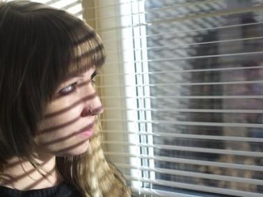 فتاة (15 عامًا): لدي مشكلة بالنطق