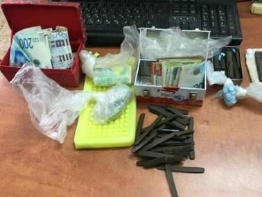 اعتقال مشتبه من شعفاط بعد ضبط سلاح ومخدرات