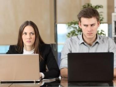 كيف تحلان مشكلة تعارض الدوام الوظيفي؟