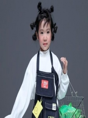 باقة من الأزياء للاطفال الحلوين