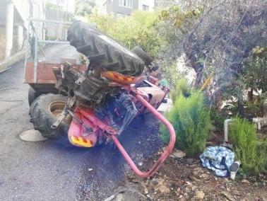 اصابة خطيرة لرجل إثر انقلاب تراكتور في بيت جن