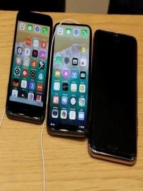 مفاجأة: أبل تطرح 3 هواتف جديدة في 2018