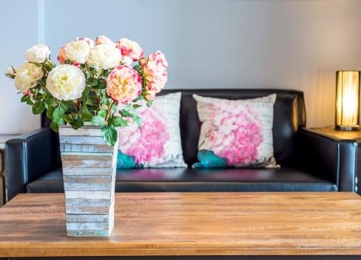 نسّقي الورود الطبيعية داخل منزلك للمسة مميزة..صور